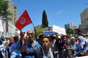 """منع اعتصام """"الجمهورية الثالثة"""" يفاقم الغضب في تونس"""