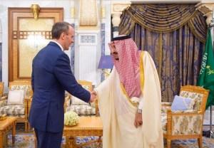 رسائل بريطانية متناقضة: تجديد مبيعات الأسلحة وعقوبات على سعوديين