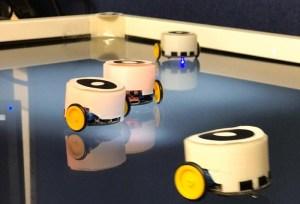 تقنية جديدة للتواصل البيولوجي بين الروبوتات