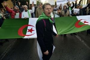 الرئيس الجزائري يحمي كوادر الدولة من بلاغات الفساد الكاذبة