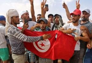 الحكومة التونسية تنتظر مبادرة رئاسية لتسوية ملف النفط