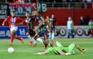 الدوري المغربي لكرة القدم في نسخة استثنائية