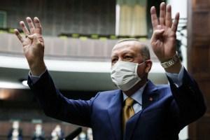 هلال الغلمان وهلال أردوغان