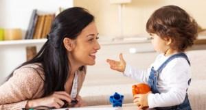 التصحيح المستمر للطفل يعيقه تعلم اللغات