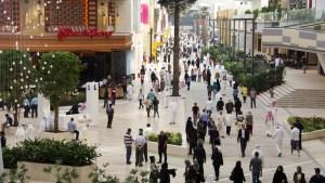 الكويت.. بدء تطبيق قرار منع غير المطعمين من دخول المجمعات التجارية