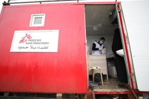 A consultation at MSF's mobile clinic, in an IDP camp in Northwest Syria.