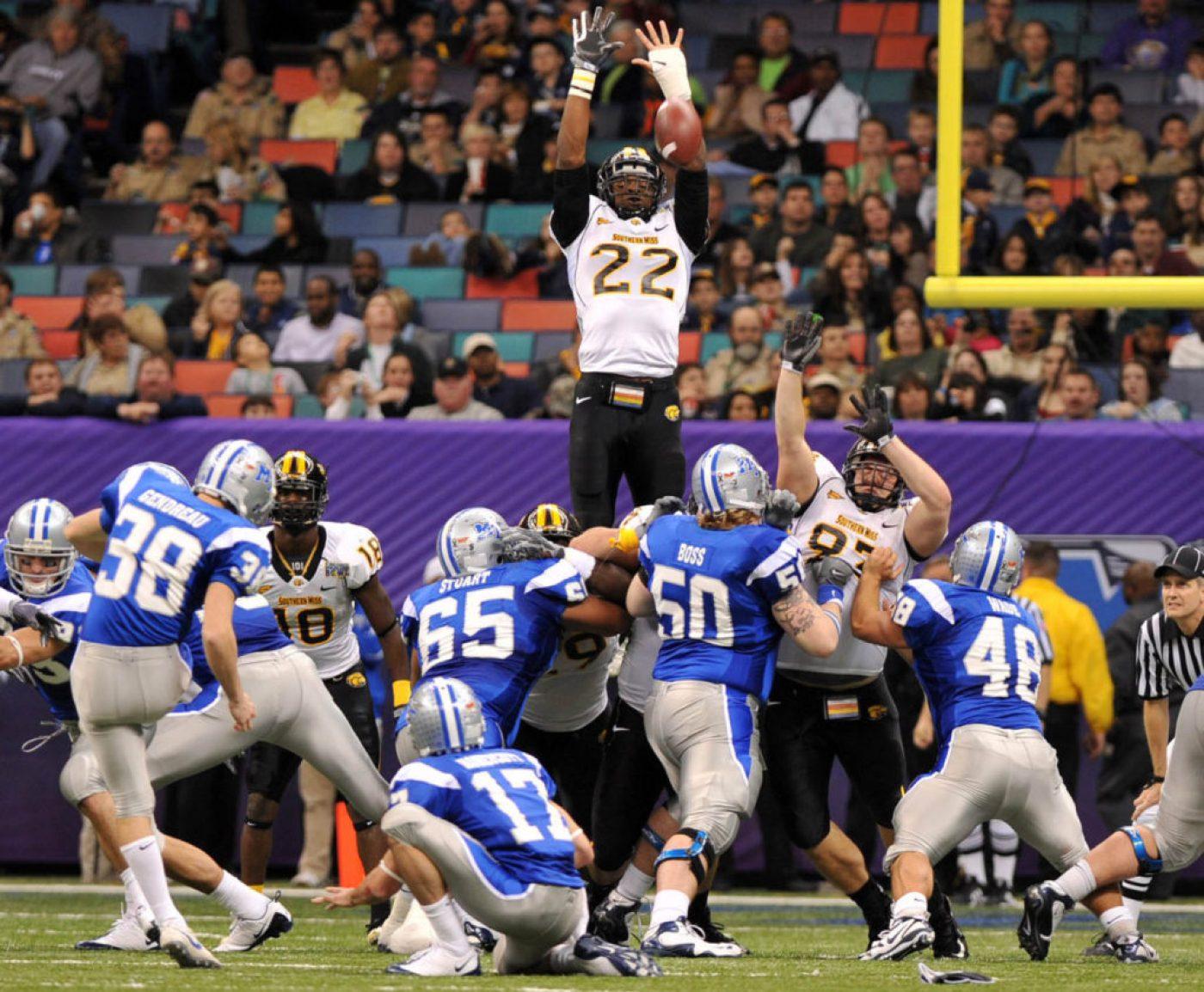 APTOPIX New Orleans Bowl Football
