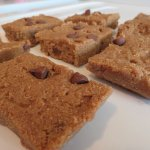 Gluten-Free Protein Bars: Healthy, No-Bake Peanut Butter and Cinnamon