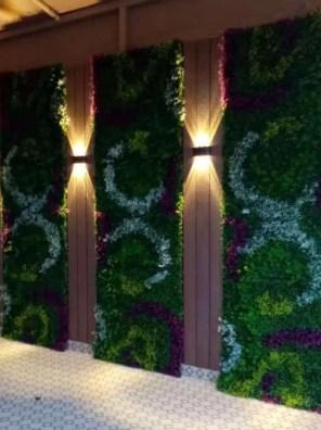 عشب اصطناعي ثلاثي الألوان