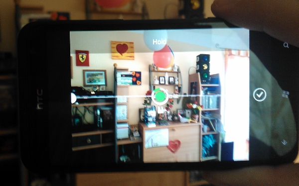 HTC-Panorama-Helper-taking-picture