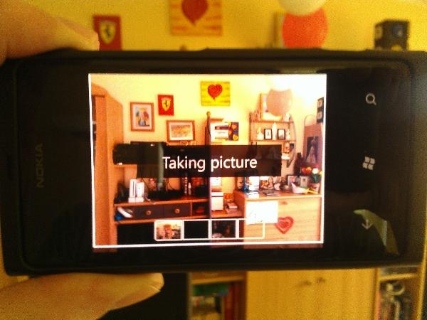 Nokia-Panorama-Helper-taking-pic