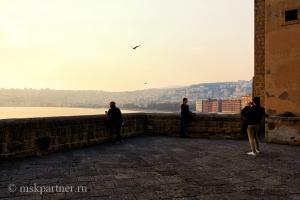 Вид на Неаполь с замка  Кастель дель Ово