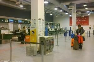 Стойки регистрации в аэропорту Пизы