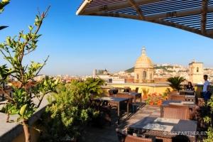 Терраса в отеле Неаполя - Una Hotels Napoli