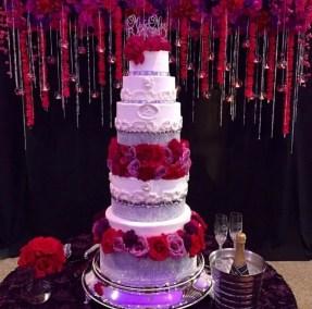 roses and bling wedding cake