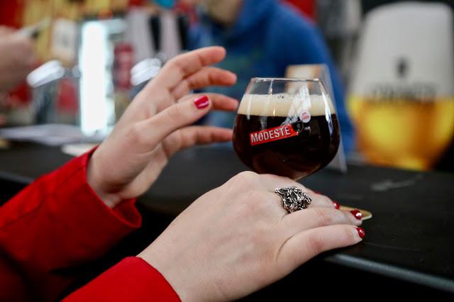 Regula Ysewijn,  Antwerp, Modeste beer festival