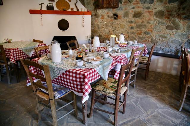 Taverna, Cyprus pic: Kerstin Rodgers/msmarmitelover.com