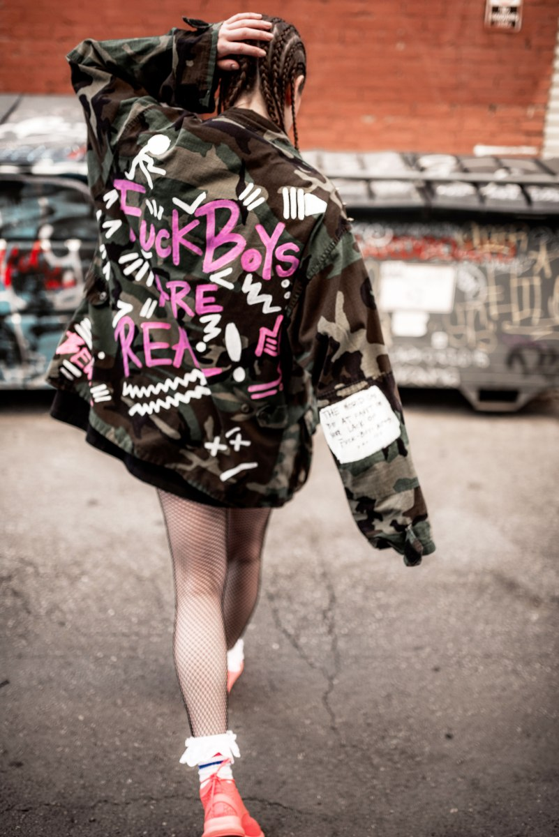 Rihanna, war, camo, diy fashion, playboy, dope hair, urban hair, texture hair, sneakerhead, architecture, vetements, hot pink, track jacket, marilyn monroe, braids, cornrows, unqiue hairstyles, urban trends, trendsetter, fashionista, la blogger, ootd, reebok, ZOKU RUNNER, new sneaker, colorful sneakers, maverick, dtla, athletic wear, hoops, snoop dog, urban, style blogger, personal style, reebok, champion,