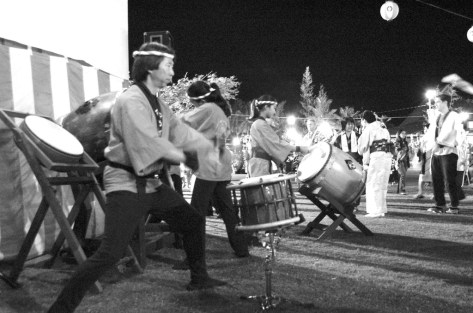 taiko drummers. lahaina hongwanji obon festival. maui, hawaii.