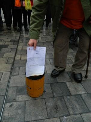 Crema dels certificats de l'INSS amb l'import de les pensions d'uns quants companys.