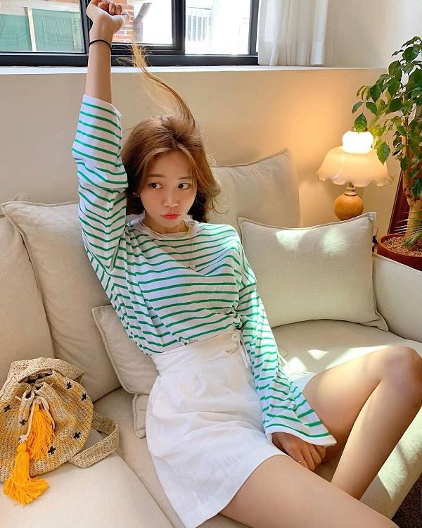 Các kiểu áo thun dài tay trẻ trung rất hợp với mùa thu - BAAO.VN 4