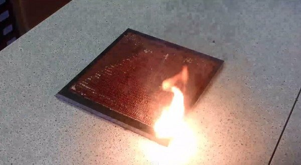 花10小時疊起來的火柴棒,10秒鐘燃燒居然驚見....... 這是我今年看過最壯觀的影片了...