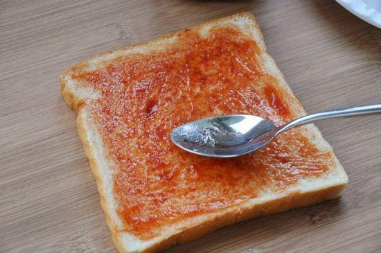 【網上瘋傳】神一樣的麵包吃法 , 超簡單卻超好吃!