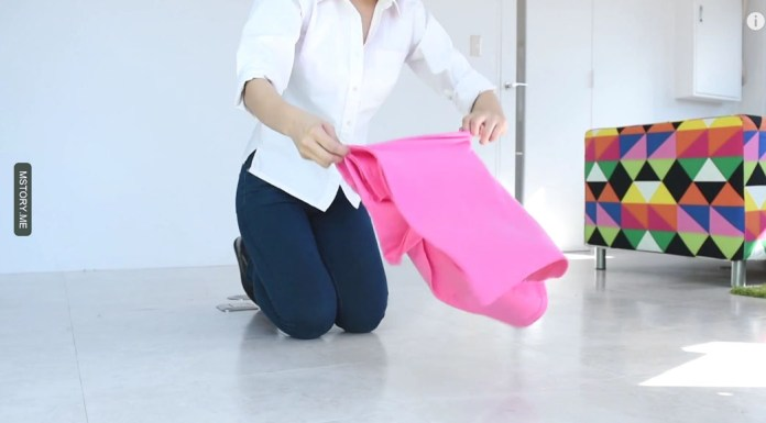 how to fold a t shirt 04