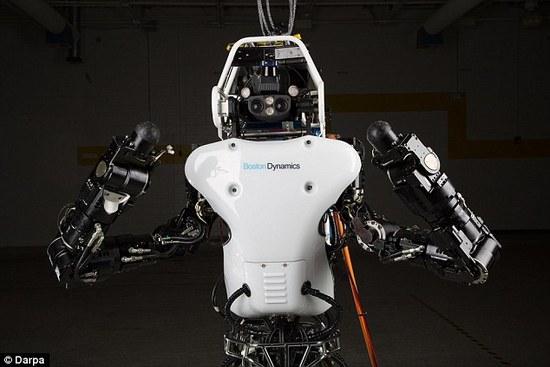 谷歌機器人森林徒步無障礙,背影逆天了....(圖/視頻)