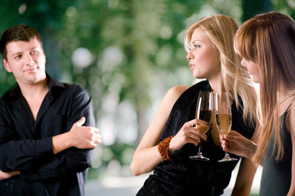 10種讓男朋友想把妳甩掉的行為,妳做了多少件?