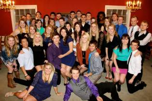 Kappa and AOPi group picture!