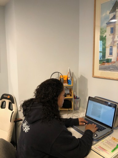 Freshman convergent media major Elle Howard transitioned to all online classes this spring semester.