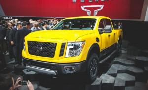2016-Nissan-Titan-XD-103-876x535