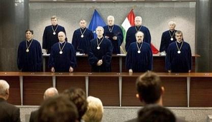 Puccsszerű alkotmánybíró-választás