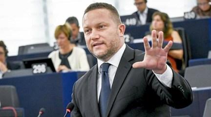 Hazudik a Fidesz EP-delegációja