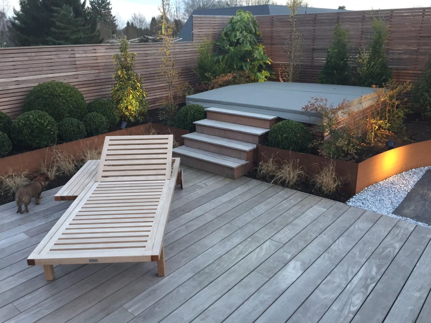 comment nettoyer une terrasse en ciment noircie. Black Bedroom Furniture Sets. Home Design Ideas