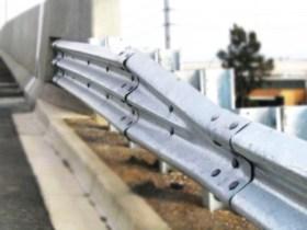 21_2_steel_thrie_beam_guardrail_3