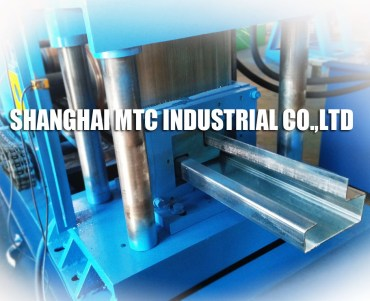 Sectional Steel Roll Forming Machine for Container House
