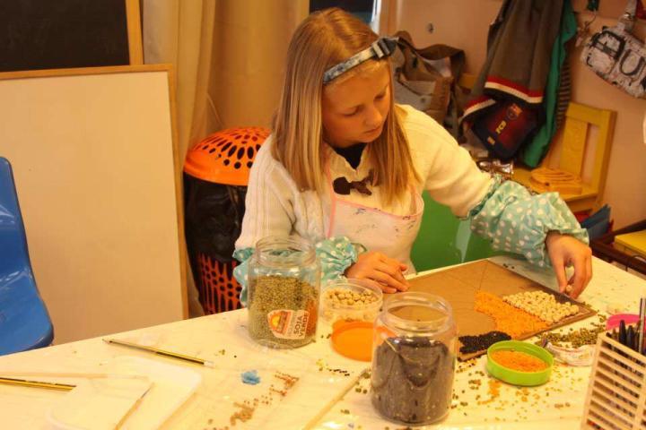 Дети с удовольствием помогут Вам в создании необычного панно
