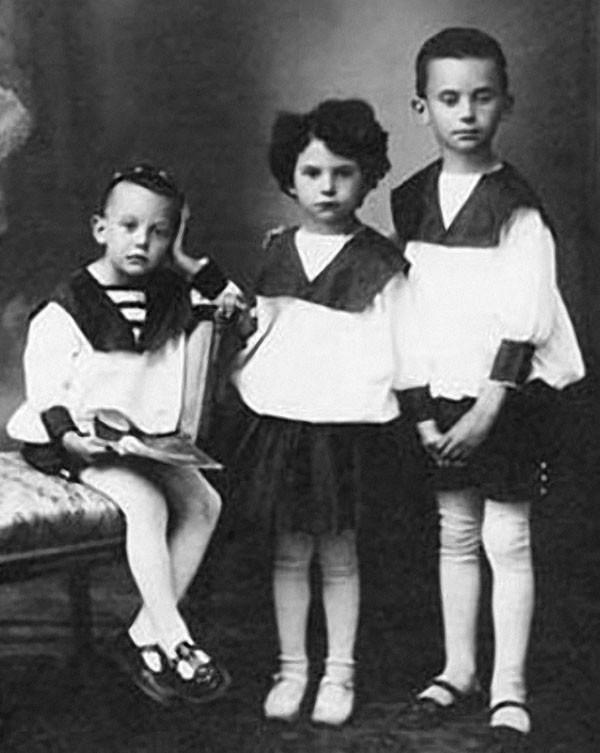 Леонид Гайдай с сестрой Августой и братом Александром архив, картинки, фото