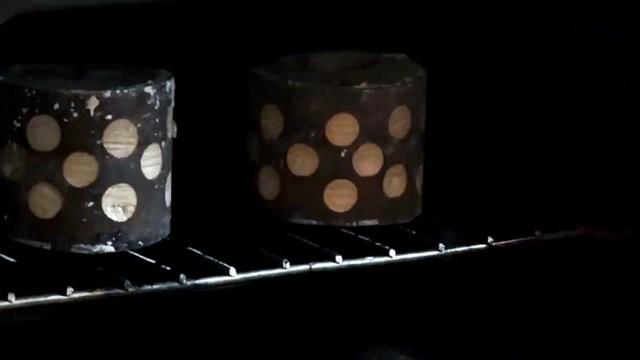 Отливаем самодельную шестерню из алюминия вместо пластмассовой