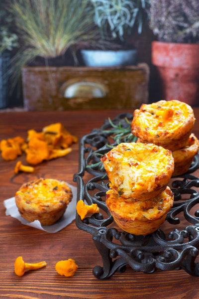 Творожные булочки с курицей и лисичками фото к рецепту 14