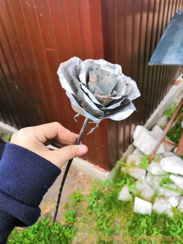 Роза из тонколистовой стали своими руками