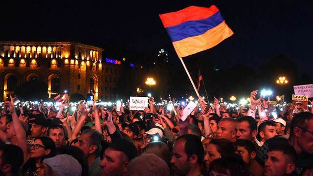 Анатолий Вассерман: Армению домайданивают