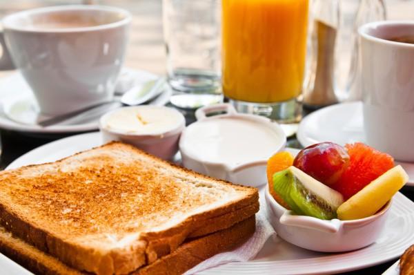 Гренки из белого хлеба – на завтрак или на десерт