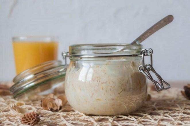 Вкусный и быстрый завтрак: ленивая овсянка в банке