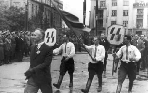 Кому Победа над гитлеровской Германией, а кому – печаль из-за поражения