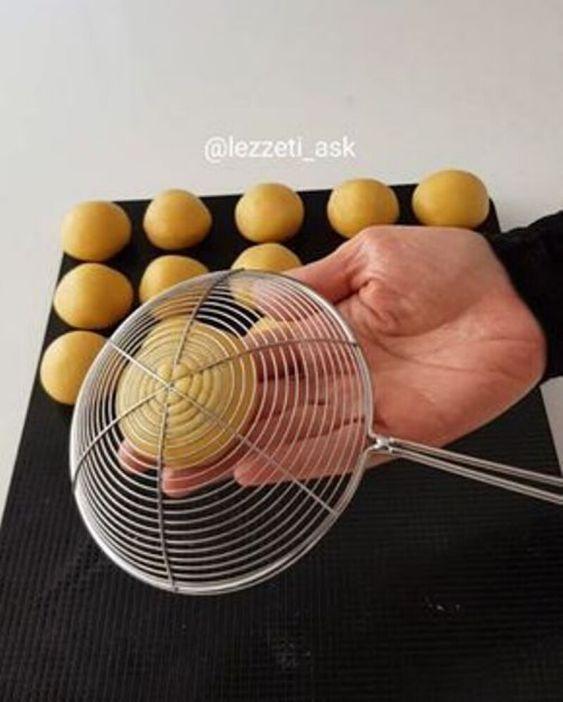 Украшаем выпечку, используя то, что есть под рукой. Подборка необычных, но классных идей!