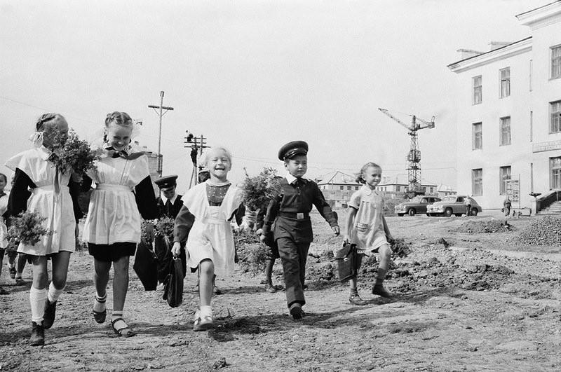 По волнам нашей памяти! Советская школьная форма