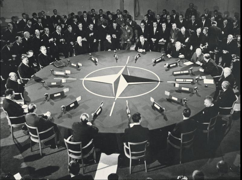 Как США не дали СССР вступить в НАТО